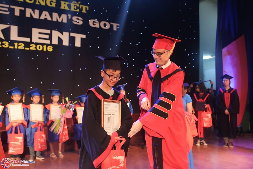 Buổi lễ trao chỉ tiếng Anh quốc tế Cambridge tại ASEM Vietnam